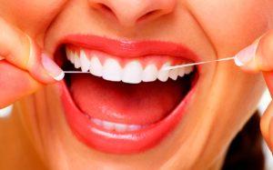 Зубная нить для очистки промежутков